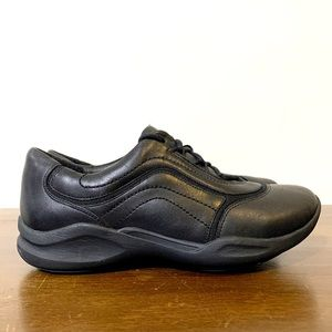 Clark's wave slip walking leather lace up shoes